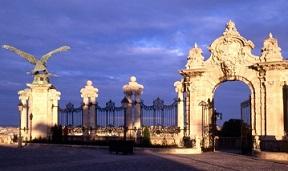 Budapest porta vienna palazzo reale