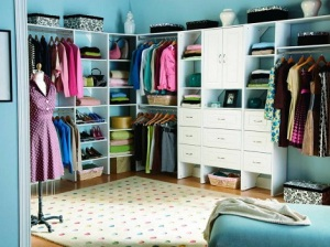 Press-Kits_Closet-Maid-System-white-drawers_s4x3.jpg.rend_.hgtvcom.1280.960-e1426152822819